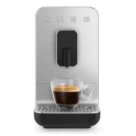 Machine à café automatique Smeg Bean to cup BCC01BLMEU Noir