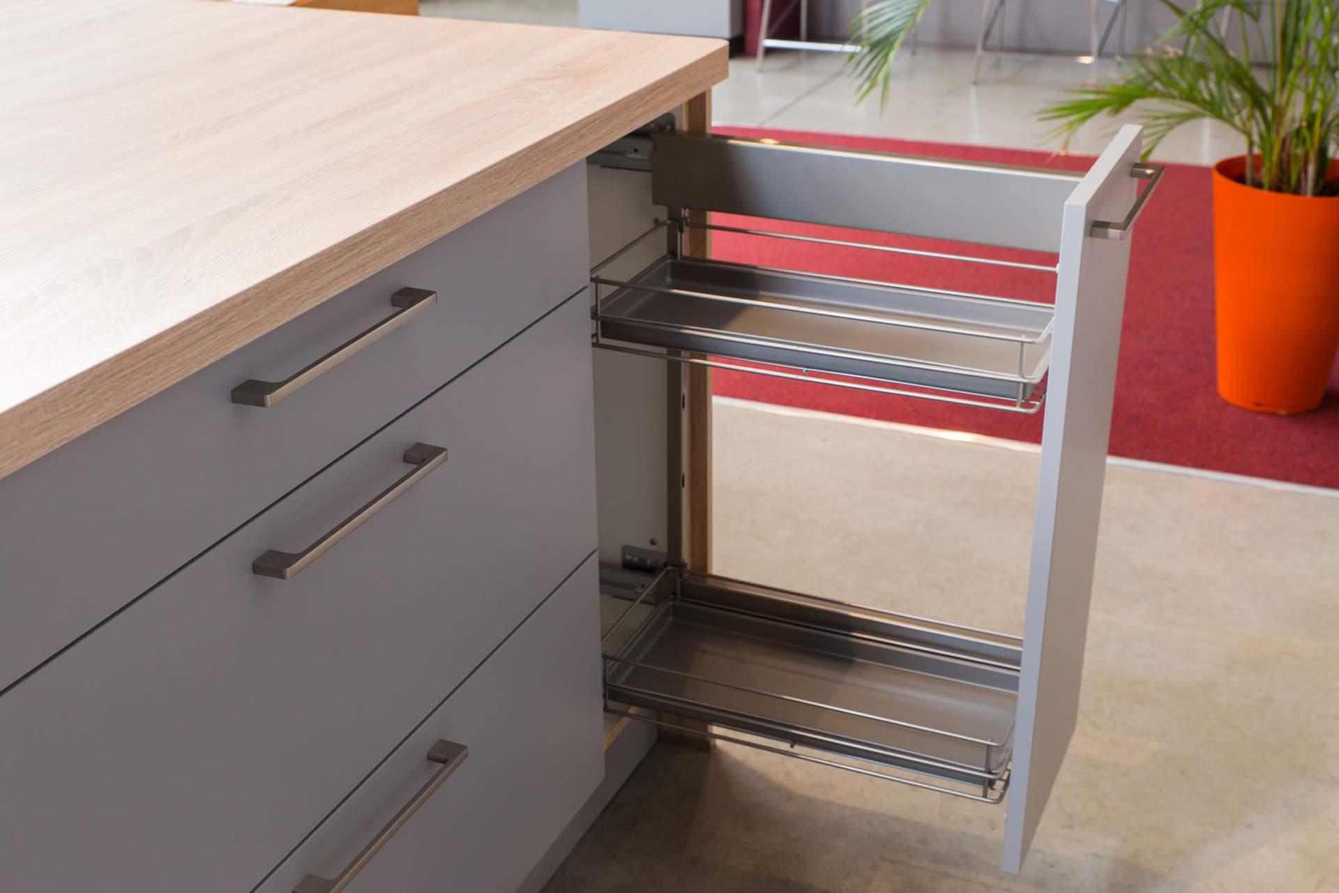 Recouvrir Porte De Cuisine mélamine ou stratifié : quelle différence pour vos meubles ?
